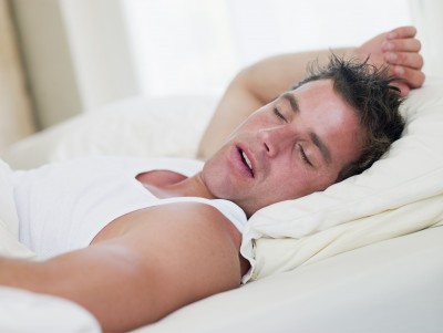Man sleeps with mouth breathing